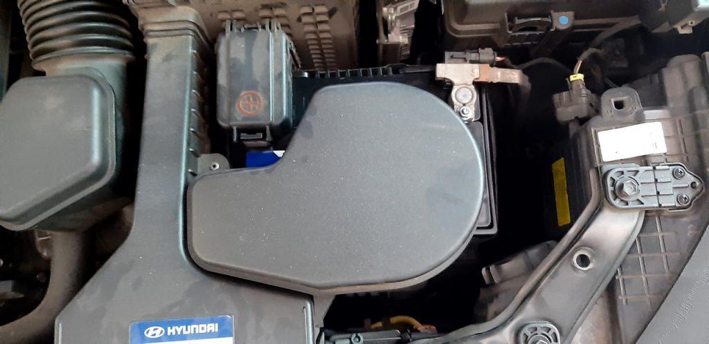 Thay bình ắc quy Hyundai Santafe 2014